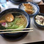 ごっつりラーメン - まろやか塩ラーメン+肉汁餃子+ちょっとごはん(マヨチャーシュー)
