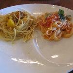 9473176 - 鶏肉とジャガイモのぺペロンチーノ&フレッシュトマトとバジルのフィットチーネ