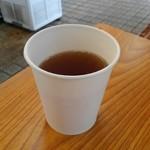 トルコ料理 ボンジュック - 香り豊かなアツアツ紅茶はサービス