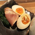 貝料理専門店 ゑぽっく - ちべたいレアチャー&ちべたい煮卵&ちべたいほうれん草♡