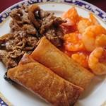 中国料理バイキング 孫悟空 - 豚肉とレンコンの炒め物、春巻、エビチリ