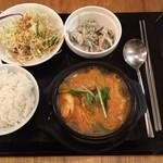 ぽど - 純豆腐チゲ定食 950円