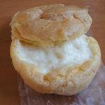 菓子の家 - 料理写真:シュークリーム