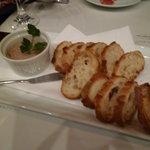 シンプルキッチン - 鶏レバーのパテとバゲット