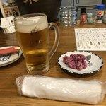 飛菜鶏 - まずはエビス生ビールを(^^) お通しは菊の酢の物