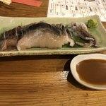飛菜鶏 - イカの刺し身(^^) タレのイカワタの入った酢醤油がとても美味しい(^^)
