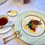 ラ・プラティーノ - デザートプレートは大好きなティラミス