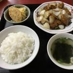 燕京 - 料理写真:酢豚定食=700円