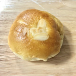 94774358 - てんしの紅茶あんパン 180円