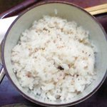 9479043 - 豆腐なべ定食 980円 の五穀米