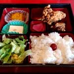遊食彩宴 サンフラワー - 【2018.10.18(木)】唐揚げランチ(並盛)730円