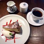 武相荘 - チーズケーキ&コーヒー