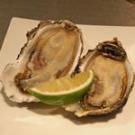 LOOP - 料理写真:厚岸の生牡蠣
