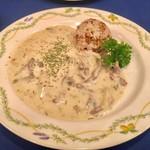 ろしあ亭 - ランチセット B 1,100円:白いビーフストロガノフ グレチカ(そばの実ライス) 付き