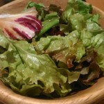 くずし割烹 白金魚 - サラダも量はありませんが、鮮度は良かった