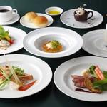 マリーナバー&レストラン - 料理写真: