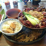 94807411 - 麺セット(四川担々麺+海南ライス+杏仁豆腐)