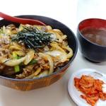 向陽 - スタミナ丼 680円(税込)