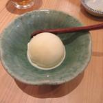蕎麦と鶏 はんさむ - 甘味「バニラアイスクリーム」