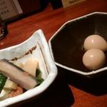 94817985 - お通し(ウズラの卵は全部で3個でした。)