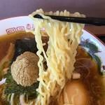 喜怒哀楽 - トロ玉こってり魚介風味 麺アップ