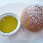 ル・マルカッサン ドール - 自家製パン お代わりしました