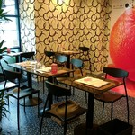 千馬ミヤビ - 奥のカフェです。
