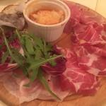 デリツィオーゾ フィレンツェ - イタリア産生ハム・サラミとトスカーナ伝統料理の前菜盛り合わせ