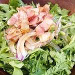 キリンシティ - 春菊とベーコンのサラダ