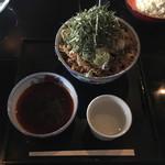 そば処港屋 - 冷たい肉そば 大盛(870円+100円) 2018.10