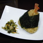 加辺屋 - この春新しく登場した 天丼おむすび。 大人気の天丼の味、香りをそのままおむすびにしました。