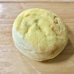 94840849 - 半熟卵のカレーパン