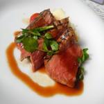 94845329 - 肉料理:サーロイングリル~ポルトソース~トリュフ香るマッシュポテト添え~
