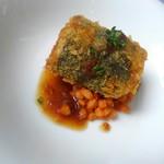 94845335 - 魚料理:アヒカツ~シャリアピンソース~スペルト小麦添え