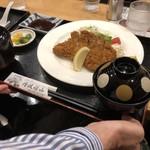しまぶん - 料理写真:とんかつ定食980円