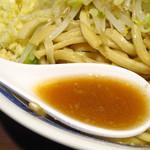 ラーメン ゼンゼン - ラーメンのスープ