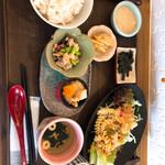 プラスロシェ - 料理写真:麦とろモーニング(600円)