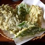 Jikyuan - 料理写真:野草の天ぷら
