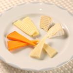プラネタリウム BAR - チーズの盛り合わせ600円