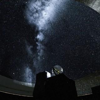 非日常の素敵な世界へ誘う、プラネタリウムBARへようこそ