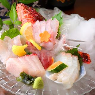 当店自慢の【高級鮮魚入りお刺身盛合せ】