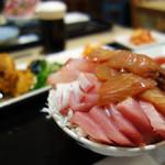 魚助食堂 - 刺身ビュッフェの海鮮丼+おばんざいビュッフェのお店です。
