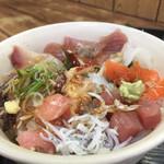 94879649 - 海のまかない丼(税込600円)(2018.10.現在)