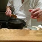 日本料理 太月 - 新米 炊きたて☆☆☆☆ 先ずは蒸らす前の アルデンテのご飯を 味わって〜〜   魚沼産こしひかり(雪椿)