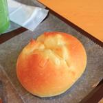an-J - 三種のチーズパン