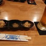 潮亭 - お通しと生ビール