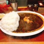 辛激屋 - チキンカレー、ご飯大盛り、辛さ5です。(2018.10 byジプシーくん)