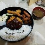 レストラン香港 - 幕の内弁当(ハンバーグ)