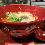 京都きん家 - 横から京湯葉とおぼろ豆腐のあんかけごはん(おぼろ豆腐がキレて無し)