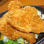 にぐるまやダイニング - 料理写真:わらじカツ鉄板焼き 950円